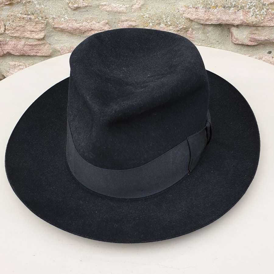 Homburg/Fedora Gentleman's Hat