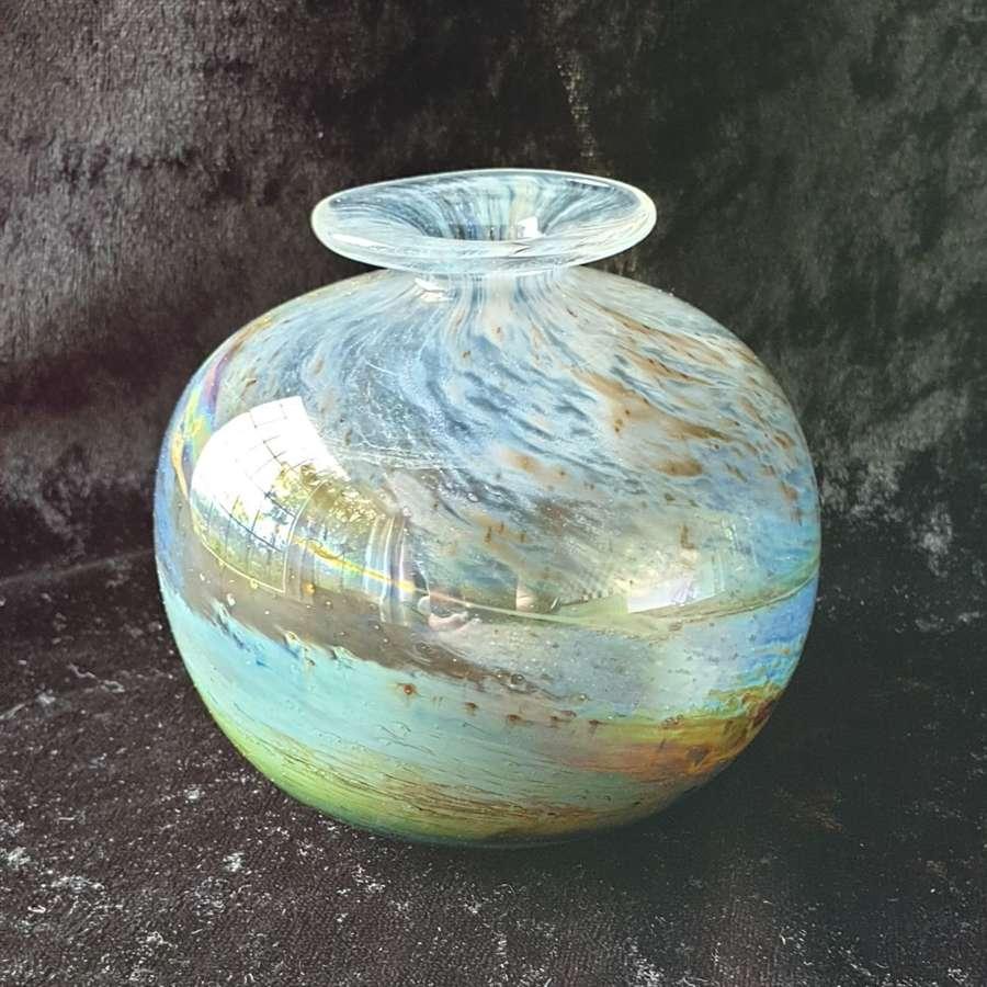 Beautiful Isle of Wight 'Aurene' Globe Vase c1970's