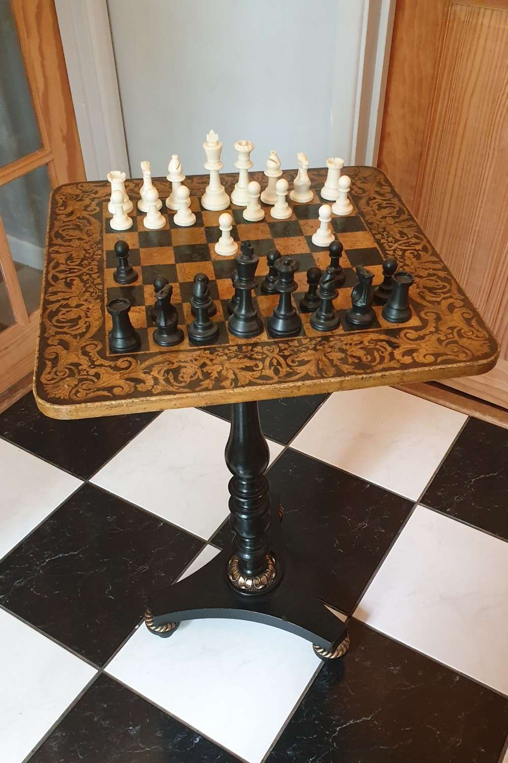 Nicely proportioned Regency Games Table