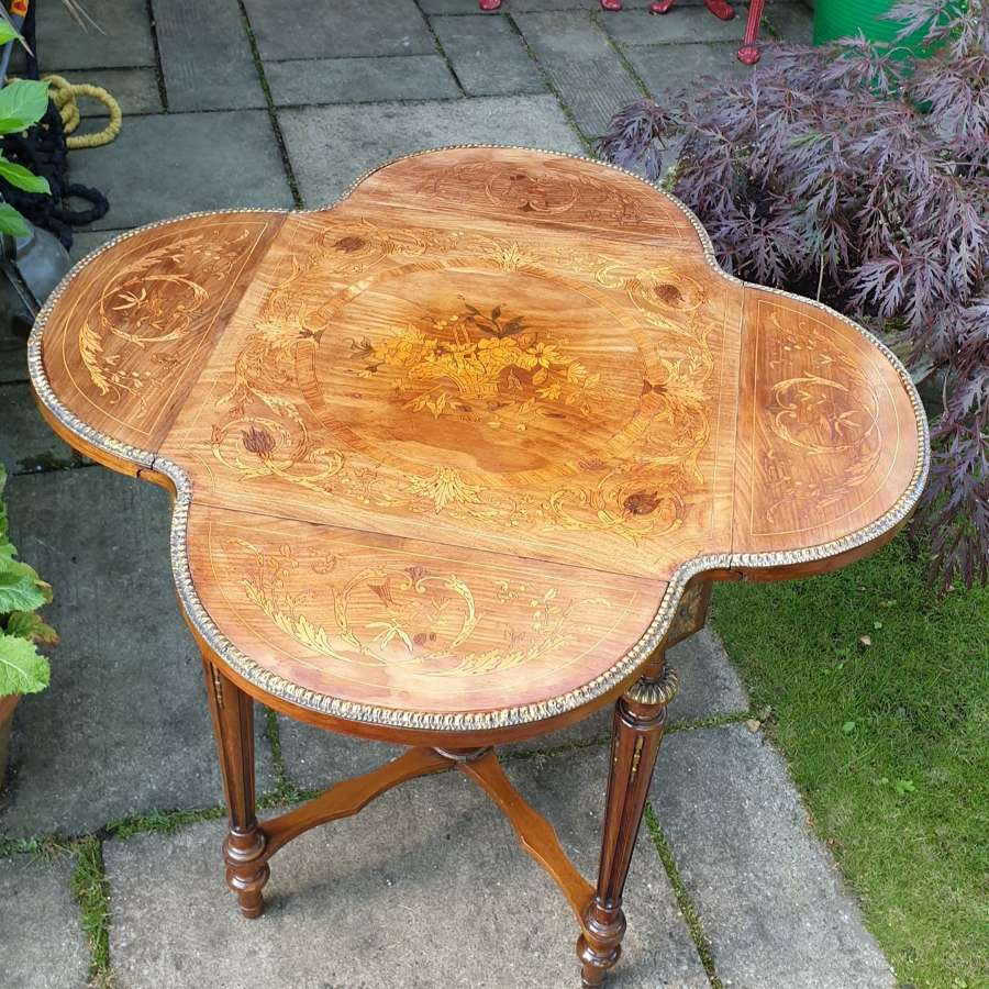 Exceptional 19th Century Marquetry Drop-leaf Centre Table