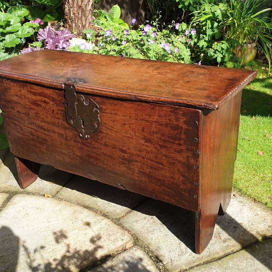 Small 17th Century Oak Coffer with attractive Lock Escutcheon