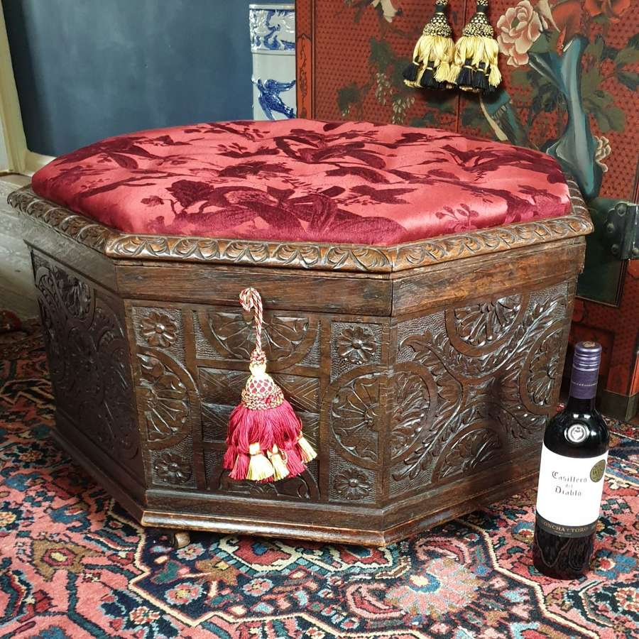 Rare Model of an early 19th Century Oak Ottoman or Stool
