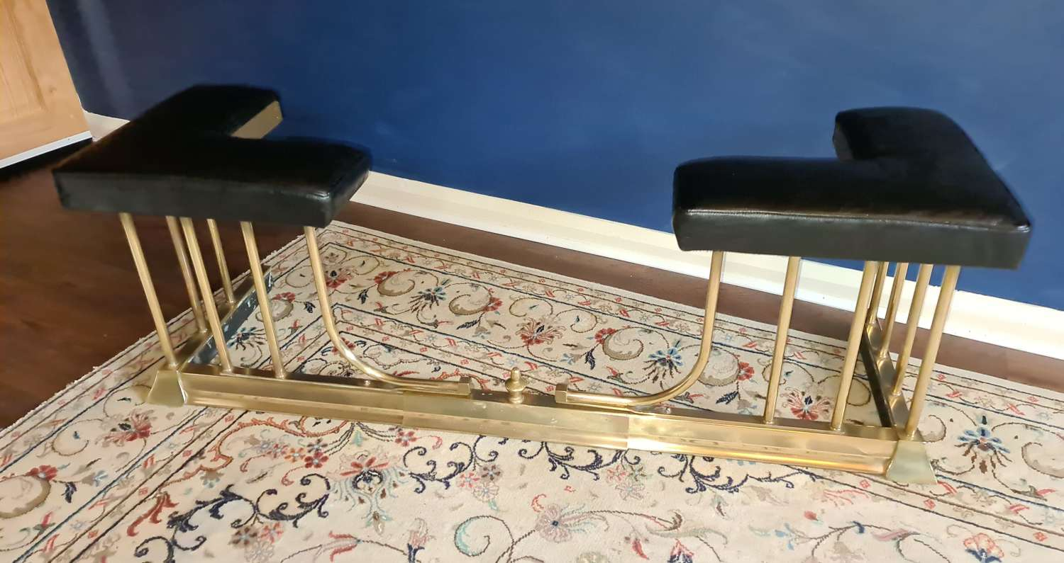 Handsome adjustable Club Fender with real Hide Seats