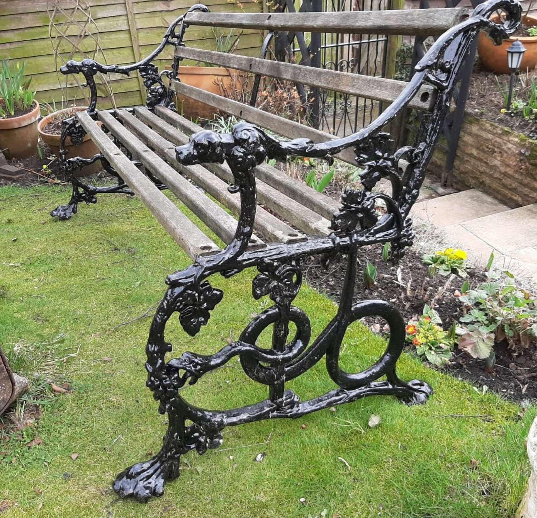 Handsome Garden Bench Dog and Serpent Pattern