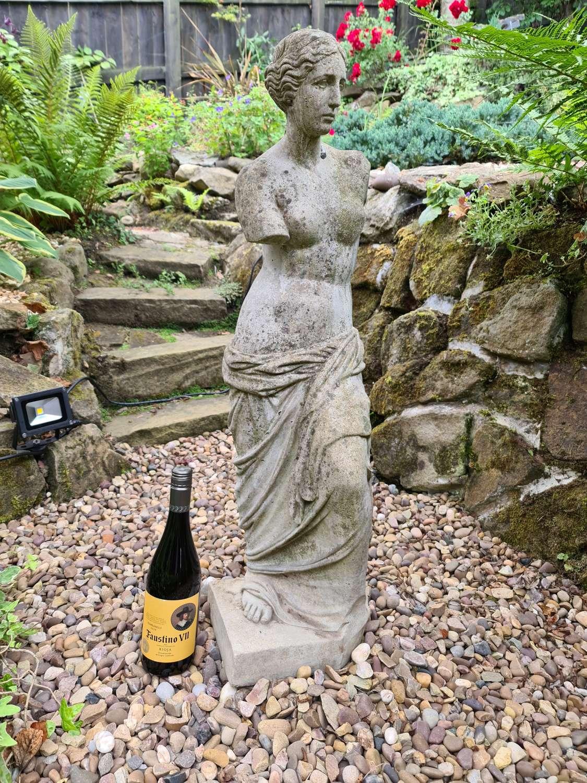 Venus de Milo Stone Statue