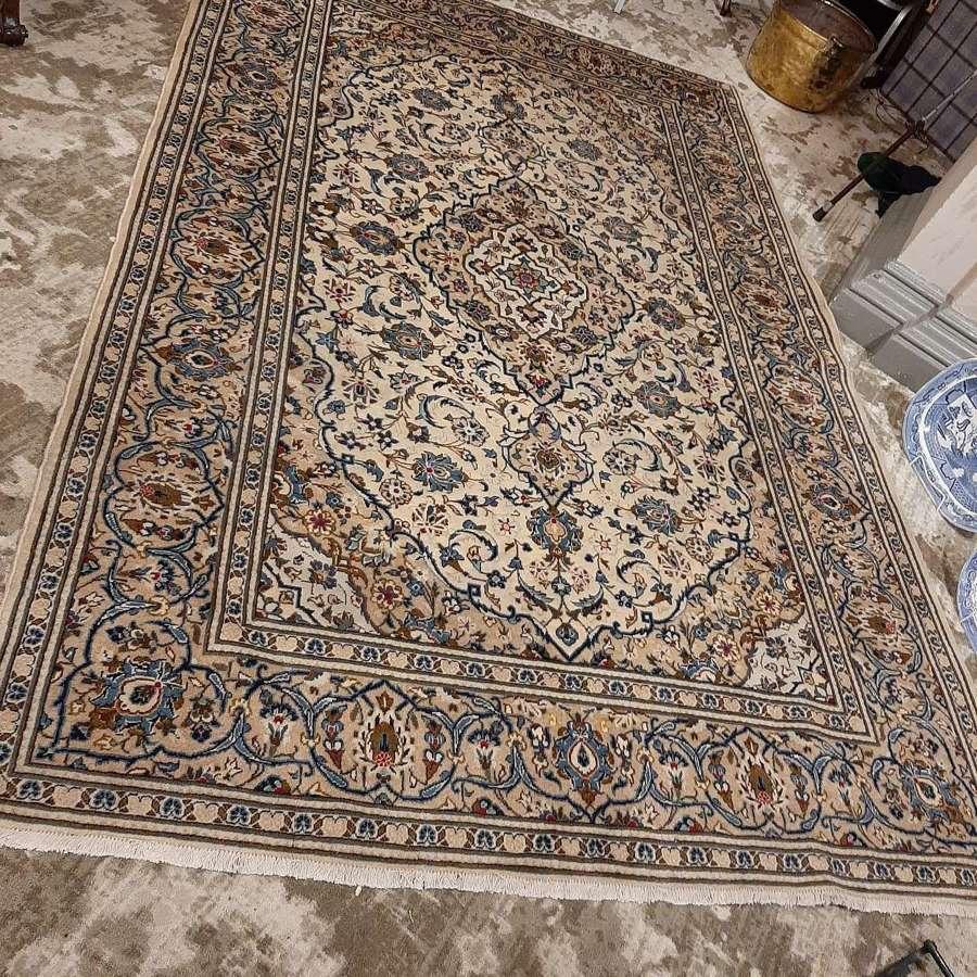 Fine Quality Persian Kashan Carpet